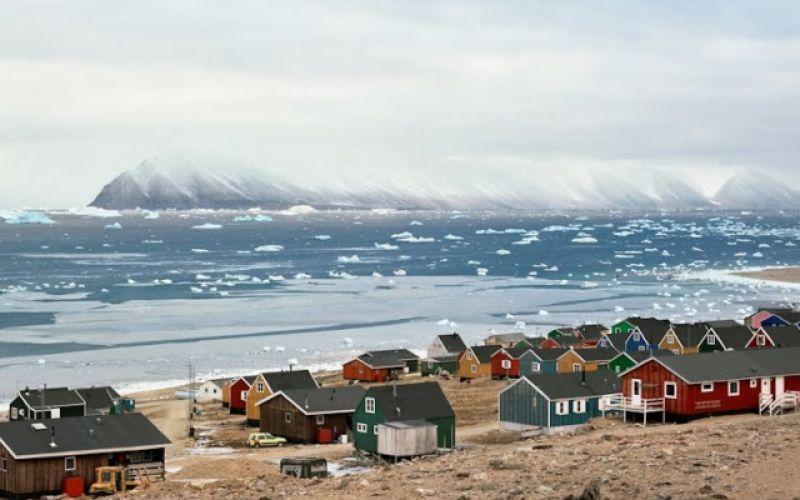Qaanaaq: Πού θα μπορούσε να μετακομίσει ο Άγιος Βασίλης!