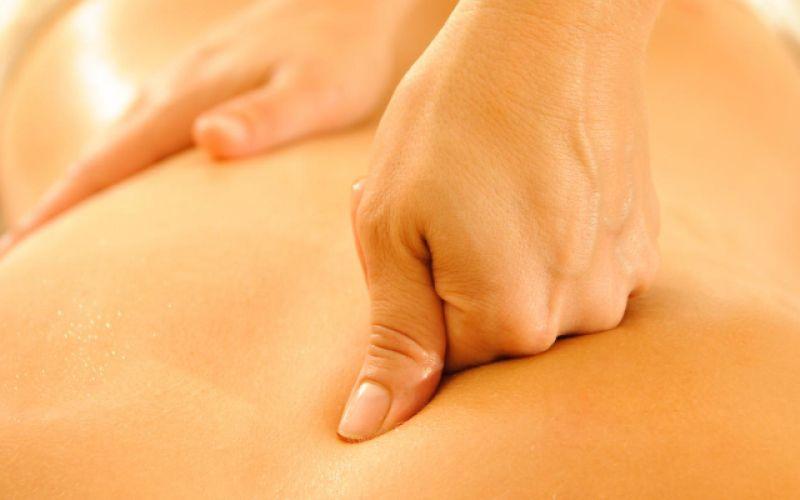 Ολιστικό μασάζ: Μια αρχέγονη και σύγχρονη τεχνική θεραπείας