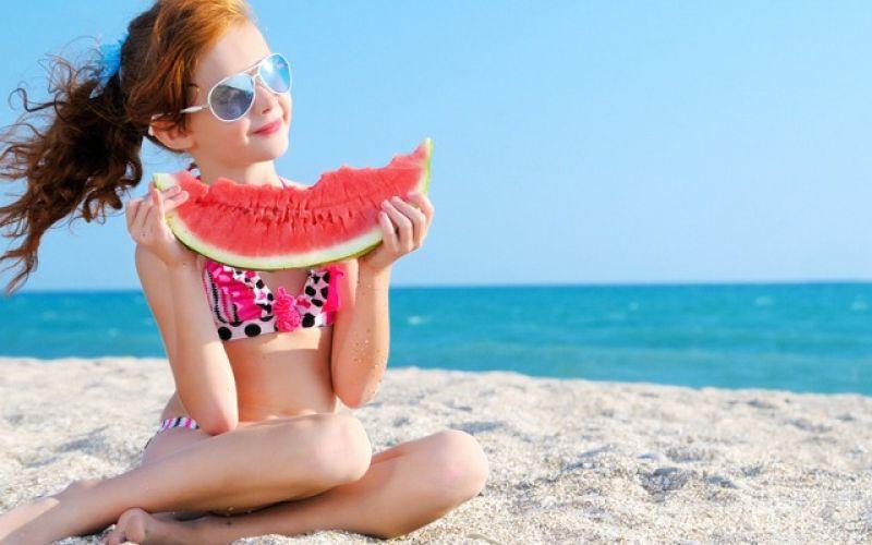 Παιδιά στην παραλία: Τι να προσέχουν οι γονείς