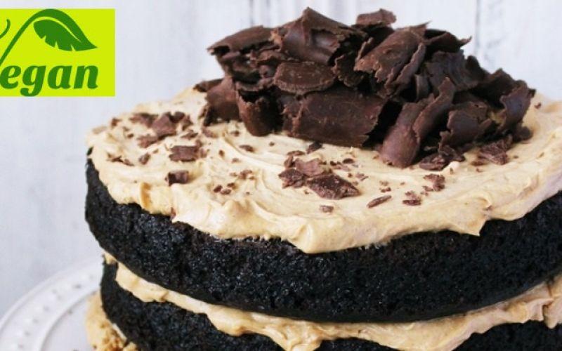 Vegan σοκολατένια τούρτα γενεθλίων