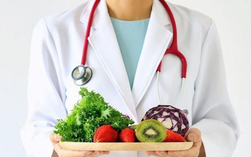 Μία ολιστική προσέγγιση στη διαχείριση βάρους, με όπλα την αποτοξίνωση, τη διατροφή και την ψυχολογία