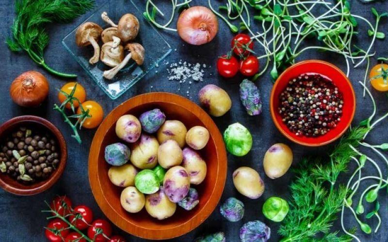 Ωμοφαγία: Νέα τάση ή μια αρχέγονη διατροφή;