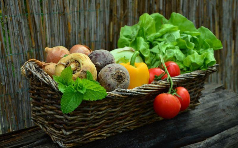 Ποια είναι τα φρούτα και τα λαχανικά της άνοιξης;