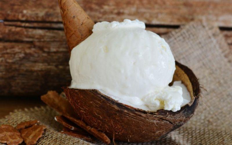 Vegan παγωτό με γάλα καρύδας