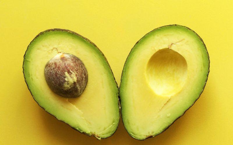 Αβοκάντο: γιατί αξίζει να το εντάξουμε στη διατροφή μας